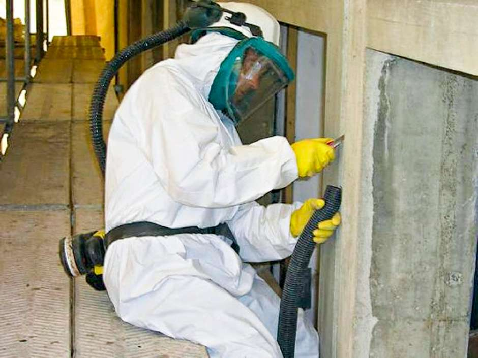 DKSS fjerner PCB med tanke på sikkerhed og miljø.